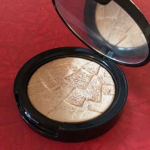 Anastasia Beverly Hills So Hollywood illuminator